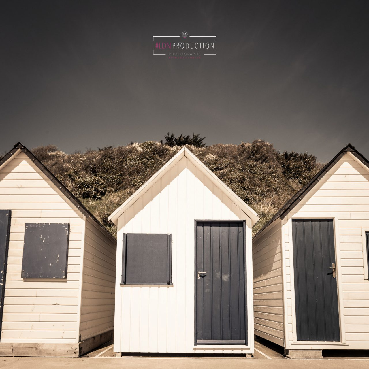 photo-cabanes-carteret-normandie-manche-format-carre-art-decoration-noemie-vieillard-photographe